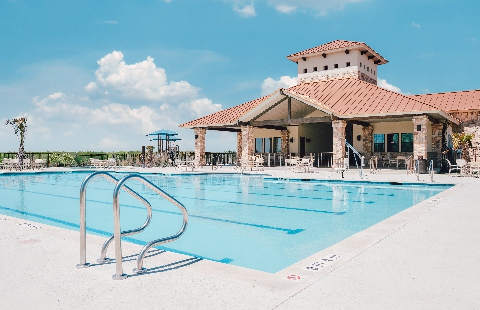 mission-del-lago-pool-clubhouse-6